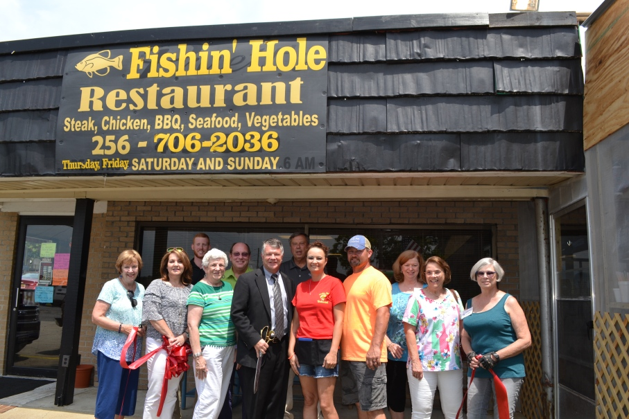 Fishin' Hole Restaurant Ribbon Cutting 018